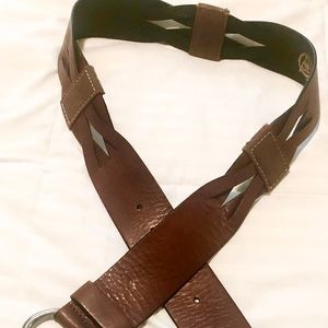 Great Looking GAP Belt! Beautiful Brown Leather. L